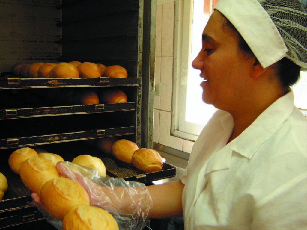 Bakery Provides Income to PLHA and Increases ALIVI's Sustainability